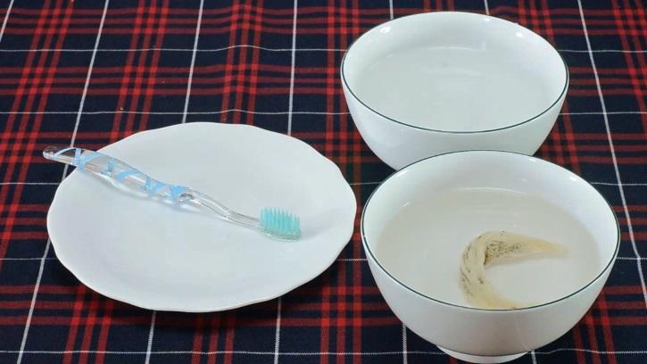 Cách làm sạch tổ yến thô (Cách 1) bước 2