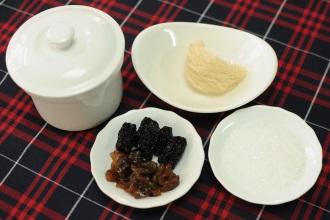 thành phần nguyên liệu của món tổ yến chưng đường phèn